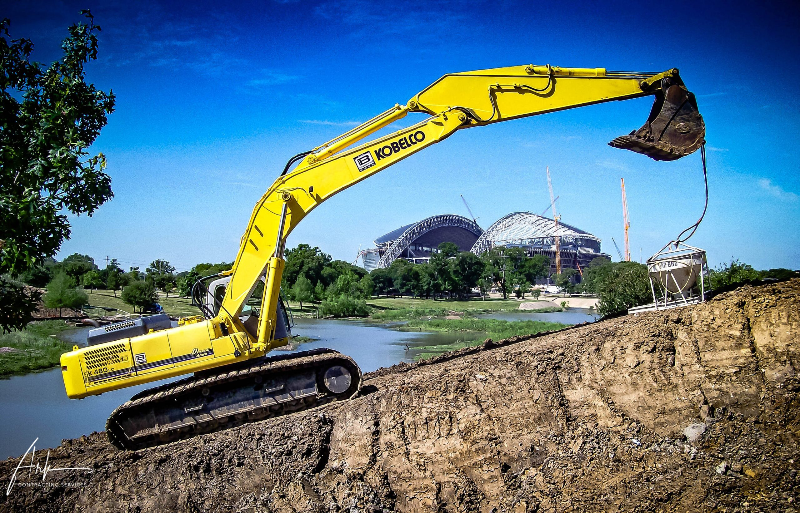 Johnson Creek excavation, an environmental project done by Ark Contracting Services LLC for the city of Ft. Worth, TX.